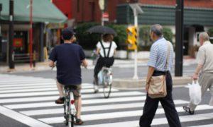 Piétons et cyclistes sur un même espace