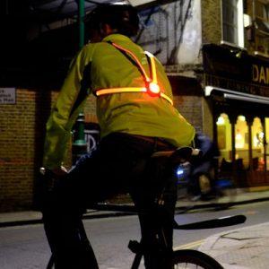 Eclairage arrière original pour cycliste