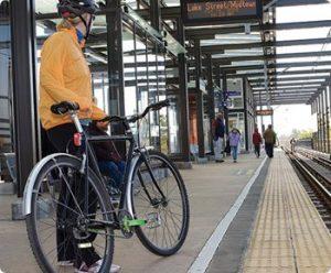 Lier le vélo et le train pour ses déplacements