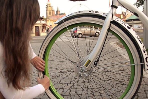 Comment réparer facilement une crevaison sur un vélo à assistance électrique ?