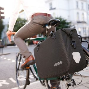 sac convertible velo ortlieb transporter son ordinateur et vélotaf