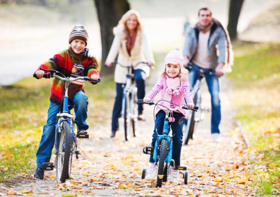 Le top 6 des cadeaux de Noël pour une famille cycliste