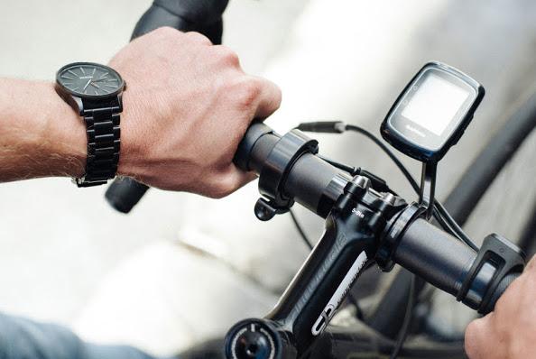 La sonnette Oi de Knog pour se signaler avec style à vélo