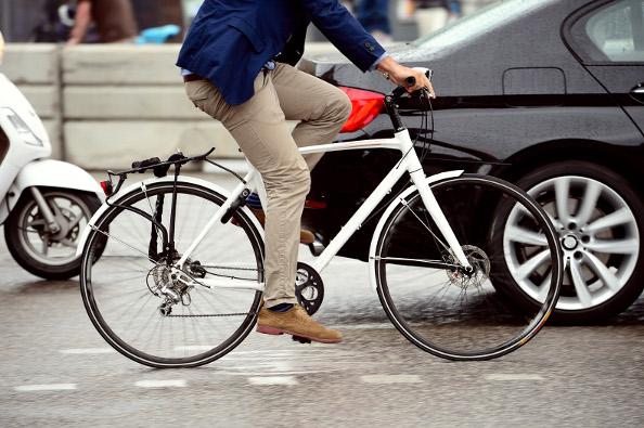 Le vélo à assistance électrique plus fort que la voiture?