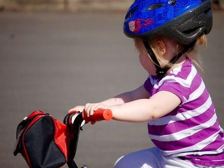 Casque obligatoire pour enfant à vélo