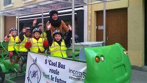 Un mode de transport idéal pour apprendre aux enfants à aller à l'école à vélo