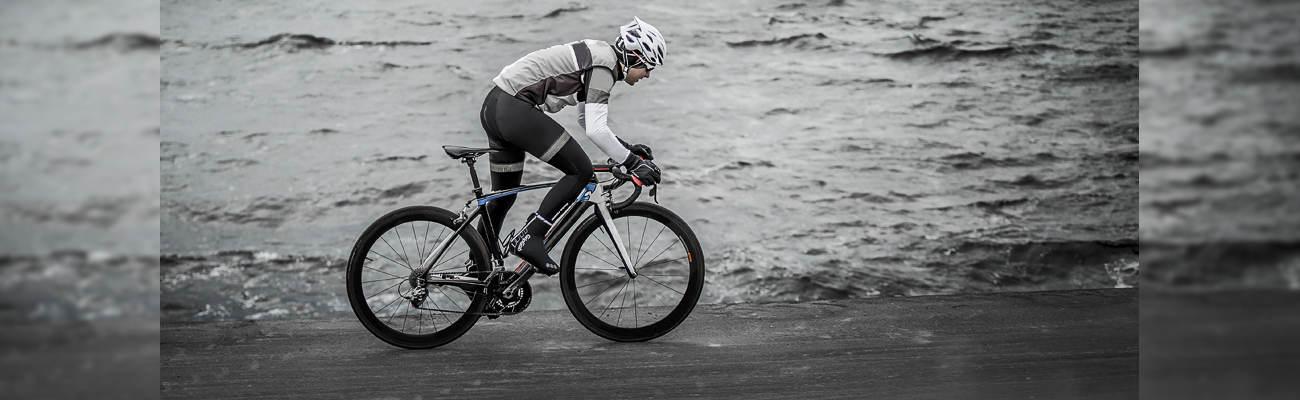 Test des gants Urban Softshell et des surchaussures vélo DryFoot de GripGrab