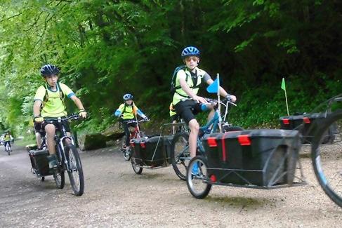 Les remorques vélos construites pour le voyage De Chambod à Chambord