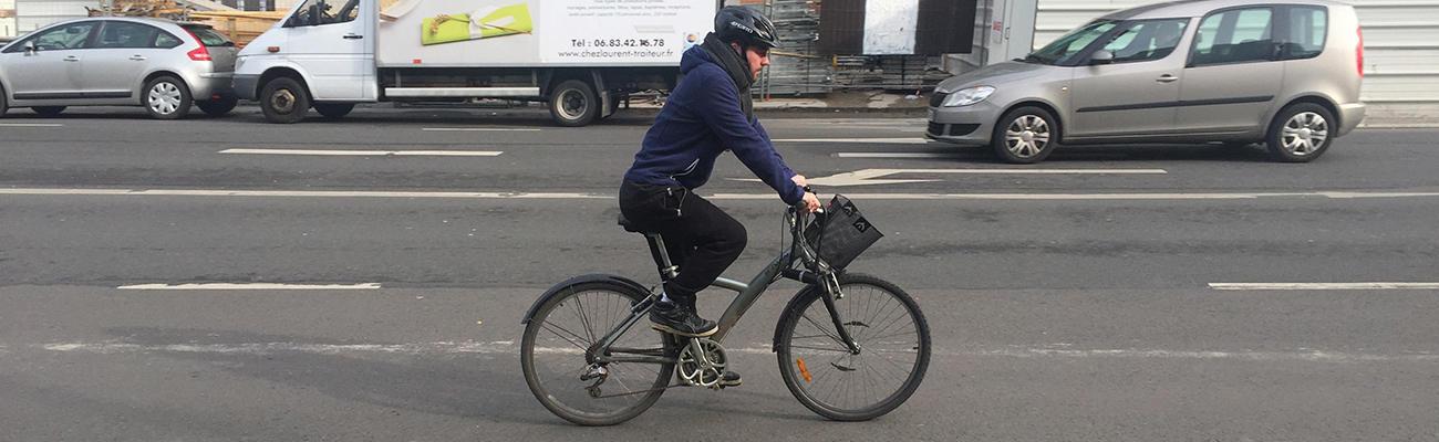 Il dénonce les comportements dangereux dans «Je suis cycliste et je vous emmerde»