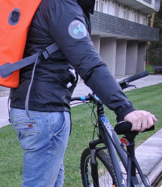Baguette à bicyclette livre du pain sur Lyon