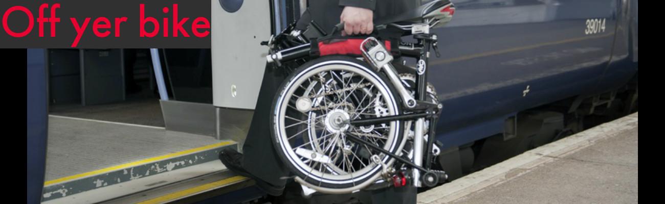 Off Yer Bike, la poignée pour transporter un vélo pliant Brompton