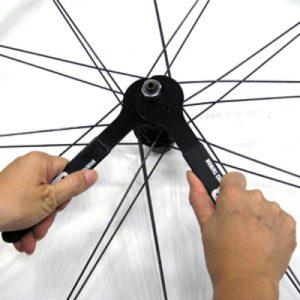 Démontage d'un moyeu vélo pour entretien