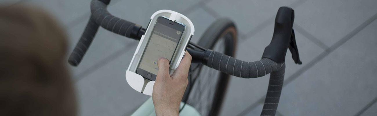 Le vélo et le smartphone, désormais des alliés