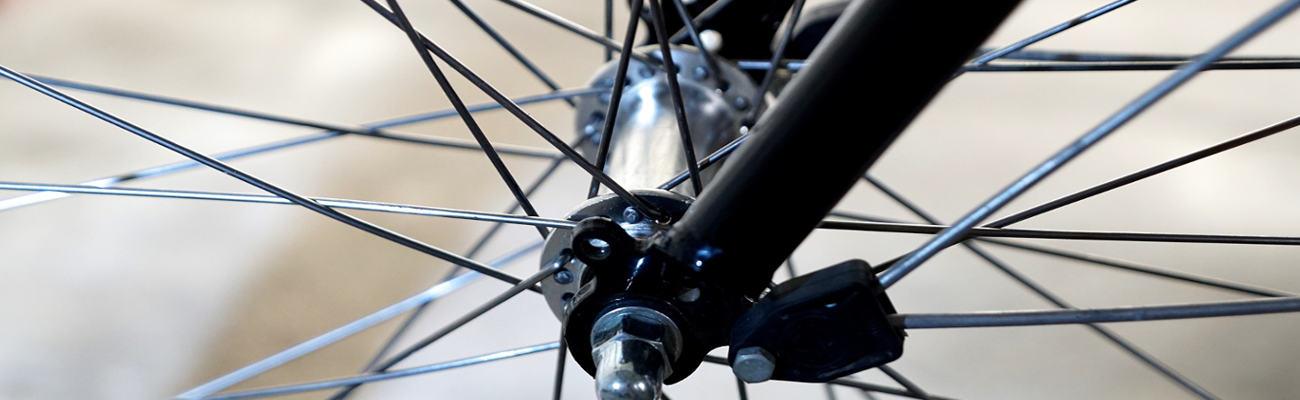 Comment procéder à l'entretien d'un moyeu vélo ?