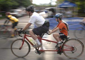 Choisir le vélo pour des déplacements rapides en ville
