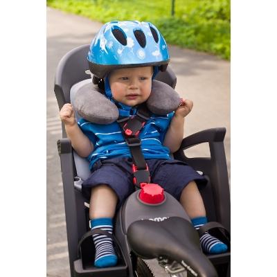 Protège cou enfant dans siège ou remorque vélo