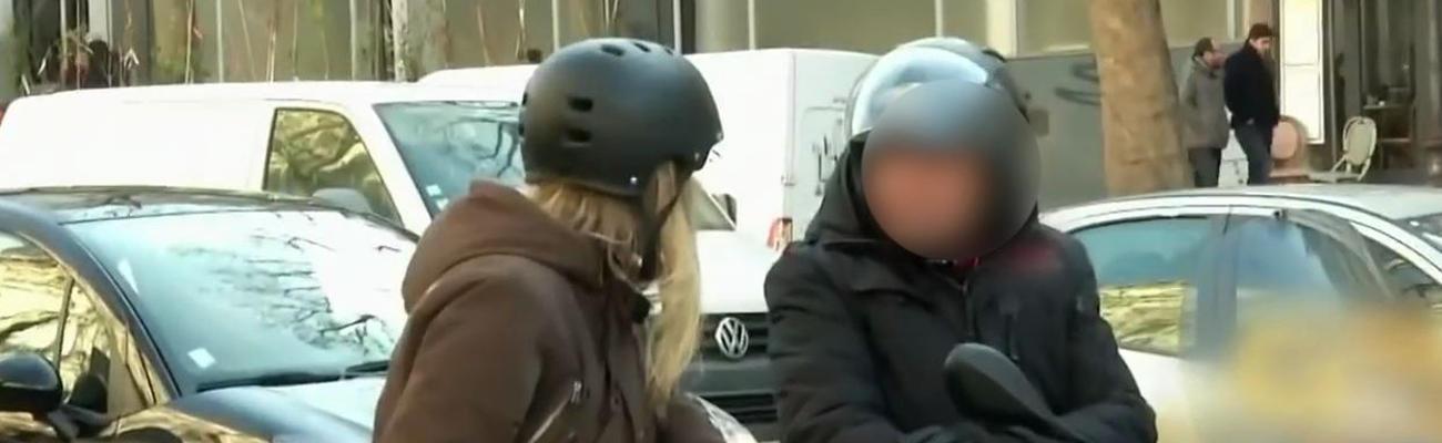 Une ambiance parfois électrique entre scooter et vélo à Paris