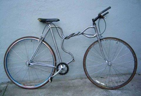 Vélos insolites : Un vélo au cadre tordu