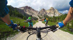 Le cyclotourisme : l'art de voyager à bicyclette