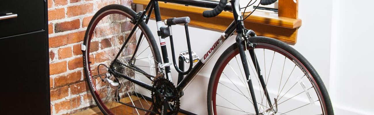 Stationnez son vélo chez soi avec style grâce au range-vélo design Clug