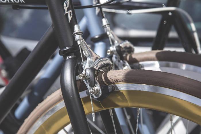 Contrôler ses freins de vélo avant le printemps
