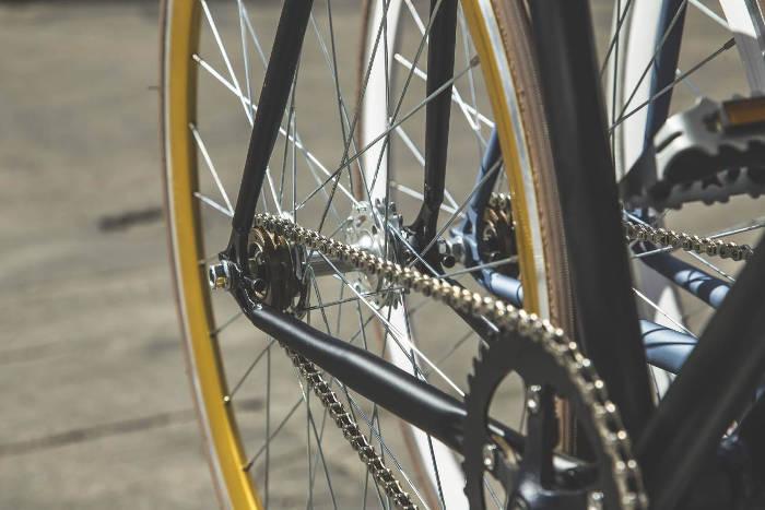 Nettoyer sa chaîne vélo et transmission avant le printemps
