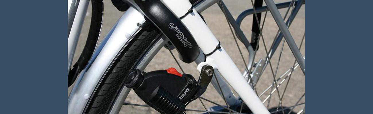 Comment brancher une dynamo sur roue?