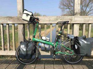 Vélo pliant intermodalité cyclotourisme
