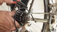 Brosse pour nettoyer la transmission vélo