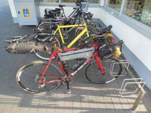 Voyager à vélo avec un vélo de course