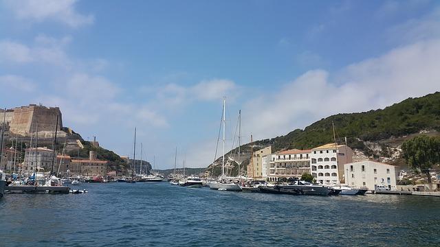 Corse à vélo : arrêt à Bonifacio
