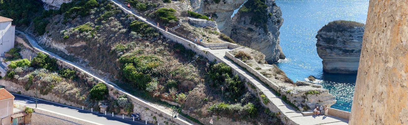 Cyclotourisme : la Corse à vélo, à la découverte de Bonifacio
