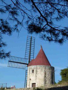 cyclotourisme-alpilles-moulin-alphonse-daudet