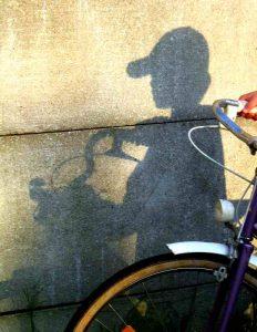 Mettre une casquette pour faire du vélo en été