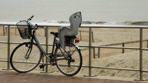 les-plus-belles-plages-francaises-a-faire-a-velo-siege-enfant