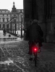Vélo avec éclairage arrière