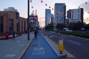 Vélo à Londres sur cycle-superhighway dans chinatown