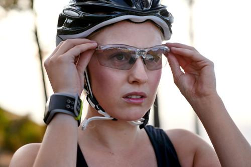 Cycliste avec lunettes vélo