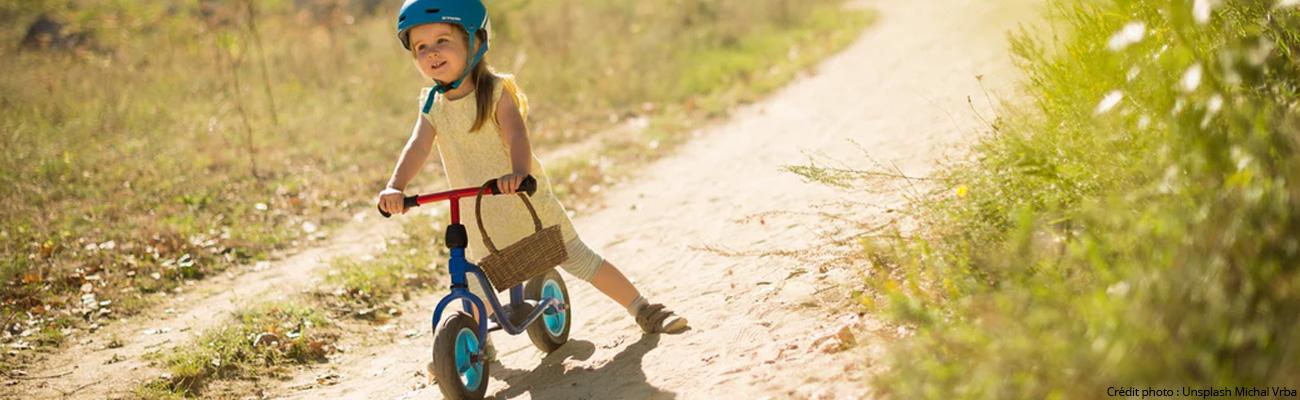 Draisienne, le vélo sans pédale idéal pour l'éveil de l'enfant