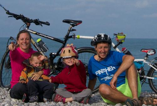 Graines de Baroudeurs, une famille à vélo