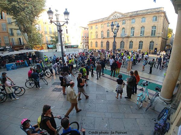 Place de la mairie à Aix