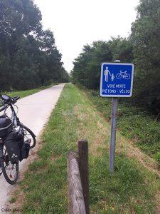 Panneau voie mixte piétons et vélos