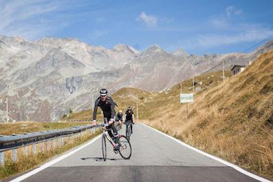 Cyclistes sur route