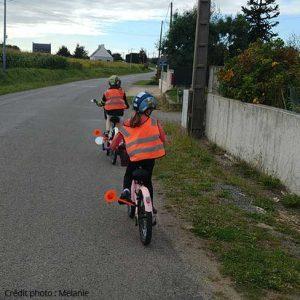 Matériel de signalisation pour les enfants à vélo