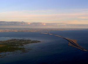 Le Pont de l'Øresund permet de rejoindre le Danemark et la Suède sur l'EuroVelo 10