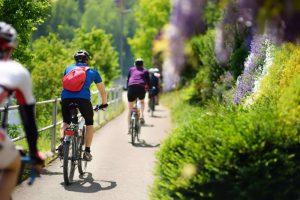 Seul, en famille ou entre amis, profitez de voyages à vélo sur-mesure et authentiques