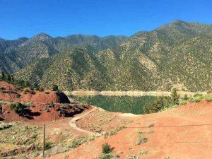 Ouirgane et son superbe lac dans les routes de l'Atlas