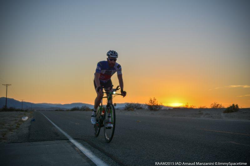 Le soleil se couche sur la Race Across America pour Arnaud Manzanini