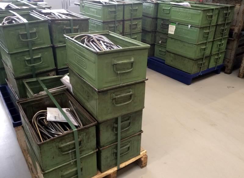 Des caisses d'anses prêtes à être assemblées