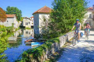 La véloroute traverse de nombreux petits villages pittoresques